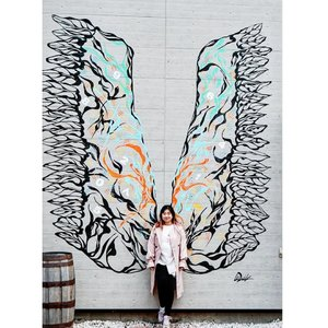 I'm flying without wings 🎶  Best wing mural ever 😍  Ga sengaja nemu pas mau pulang ke Sapporo.  #otaru #mural #city #decor #wings #best #ootd #styleoftheday #style #motd #beauty #ClozetteID #love