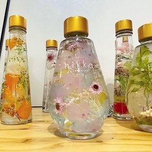 @hikka.since2017 Herbarium. Preserved flowers inside beautiful bottles. #herbarium #flowers #art #beauty #beautiful #love #travelwithcarnellin #hello #Japan #tokyo #tokyo2020 #decoration #homedecor #ideas #clozetteID