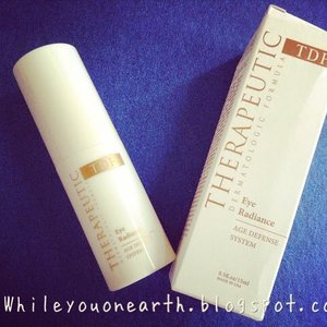 Beautiful eye (gel) cream from @miracle_clinic that feels good on the skin and works like wonder too, http://www.whileyouonearth.blogspot.com/2014/09/eye-radiace-tdf-from-miracle-aesthetic.html #eyecare #eyegel #eyecream #Indonesia #indoblogger #clozetteid #igdaily #igbeauty #instabeauty #instadaily #bblogger #bbloggerig #beautiful #beauty #beautyblogger #beautybloggerid #skincare
