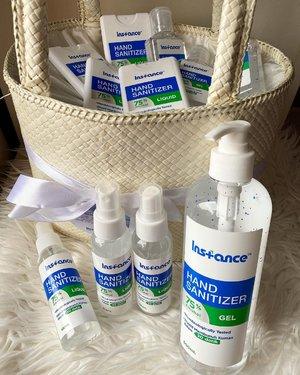 Hand sanitizer yang paling kami suka dari @instance.id 🤚🏻 Gak lengket (both liquid and gel)🤚🏻 bebas kuman dalam 30 detik🤚🏻Not scented (jadi gak ada aroma apa-apa) bersih aja.🤚🏻 tersedia dalam berbagai ukuran, jadi bisa buat dirumah, office, taruh di tas, buat spray permukaan, dsb semua bisa dibawa kemana aja (horeee). #handsanitizer #sleekhomecare @sleekhomecare #germfree #nogerm #bebaskuman #love #clozetteID #clean #bersihbanget #tanganbersih