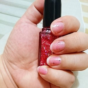 Twinkled Pink by @sallyhansen_id#clozetteID #beauty #nails #sallyhansen #sparkle #glitters #pink #clear #nailcolor