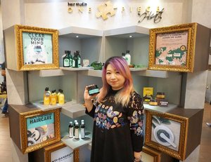 The review is up on why you should try @thebodyshopindo Fuji Green Tea seriew, at least the scrub 😍http://whileyouonearth.blogspot.co.id/2017/10/the-body-shop-fuji-green-tea.html?m=1#thebodyshop #scalpcare #thebodyshopindo #hairstyle #haircare #motd #ootd #beautybloggerindonesia #beautyblogger #bblogger #lotd #makeup #cosmetic #clozetteid #lookbook