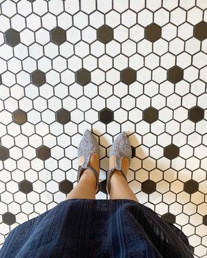 #shoesoftheday #shoes #tiles #clozetteID #restaurant #beauty #igdaily #igstyle #love #hello #ittaherl #restaurantdesign #photography #photooftheday #potd #lotd #ootd