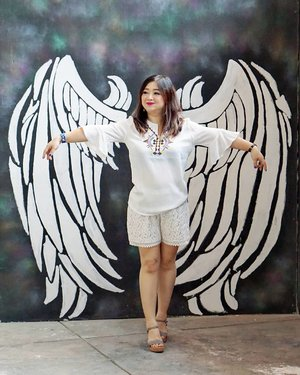 I'm no angel, for sure.  #Jakarta #playground #hello #letsgo #entertainment #letsplay #clozetteID #places #placestogo #mural #angel #decor #interiordesign
