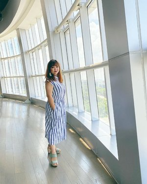 Pagi ini cerah, setelah semalam hujan deras sampai kampus Atma dalamnya kebanjiran juga 😭...   Kalian aman kan?  #igdaily #igers #igstyle #lotd #ootd #beauty #fashion #goodmorning #styletoday #outfits #outfitinspiration #bluedress #stripedress #hello #clozetteID #motd #morningmood #moodoftheday #hujan #cerah