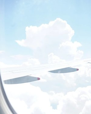 Flying home on a bright day.#sky #flight #Clozetteid #hello #traveldiary #traveller #travelwithCarnellin #flying #clouds