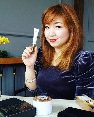 @guerlain Abeille Royal Gold Eyetech, the best eye care and applicator I've tried so far. Find out why here:  http://whileyouonearth.blogspot.com/2016/01/guerlain-abeille-royale-gold-eyetech.html  #guerlain #eyecream #eyecare #beautyblogger #beautybloggerindonesia #beauty #review #clozetteid #Abeille #royal
