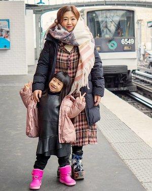 Get well soon baby girl. Biar bisa jalan-jalan sama mami lagi, dan kamu bisa nambahin koleksi boots lagiii 👢👢👢_______#carnellinstyle #live #love #fashion #fashionoftheday #ClozetteID #outfit #outfitinspo #outfitoftheday #motd #lotd #potd #photooftheday #style #styleoftheday #dressoftheday #dress #dressedup #beauty #hello #travelwithCarnellin