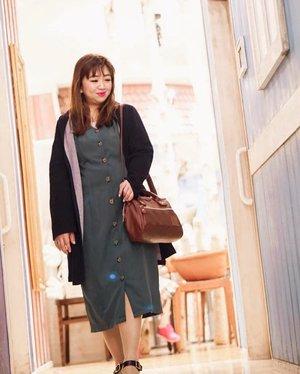 When you have a pretty decent amount of bags tapi yang dipake itu, itu, itu aja 😅Siapa disini yang team begitu juga? Pake baju ituuu ituu aja, Sepatu juga, celana favorit, dan bahkan gaya andalan nya ituuu ituu ajaa??? 🤣🤣🤣#handbag #love #igstyle #instagood #instagram #instadaily #instalove #hello #clozetteID #beauty #dresses #fashionitem #fashion #anello #hellogoodday #fun #travelstyle #funtime
