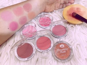@fanbocosmetics Blooming Cheek Blush On dengan 6 shades yang sangat cantik like Warm Hug, First Date, Happy Ending, Sweet Heart, Pinky Promise, Prom Kiss. Mudah diaplikasikan dan dilayer, the color easily build up dari super soft sampai boldly pigmented.  Suitable for many different kind of occasion. Dari daily look sampai romantic dates.  #FanboCosmetics #FanboBloomingCheek #JakartaBeautyBlogger #JakartaBeautyBloggerFeatFanboCosmetics @jakartabeautyblogger #love #beauty #igbeauty #blushon #pretty #bblogger #motd #makeup #pink #flush #pinkcheecks #pinky #beautiful #makeup #beautyproducts #clozetteID