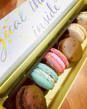 #breakfast 🤣  #macarons #yums #sweets #dessert #hello #clozetteid #igdaily #igers #foodoftheday #foodiesofinstagram #foodies #goodmorning #potd #instadaily