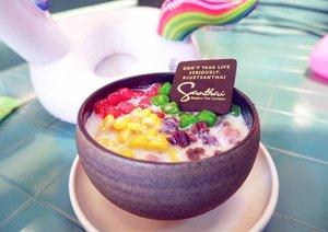 "Anak gw bilang ""santuy""#foodoftheday #foodoftheday #ClozetteID #sweets #lunch #fresh #love #dessertoftheday #musttry #dessert #thaifood  #freshfood #yums"