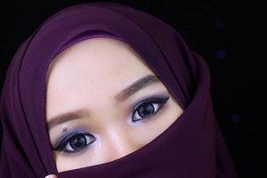 Teaser👧...........#motd #fotd #eyesoftheday #eyemakeup #wingeyeliner #beautyvlogger #beautyblogger #hijabblogger #clozetteID #ofisuredii #hudabeauty #mayamiamakeup #eyelook #dramaticeyemakeup