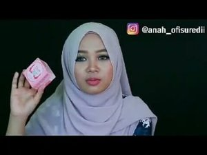 August fav video has uploaded in my youtube chanel [link on my bio🙆]Talking about oval brush, serum, face mask, eyeshadow palette, oitment for blistered skin and best softlens ever!................#indobeautygram #augustfav #makeupvideo #beautyvlogger #beautyblogger #makeupaddict #antipodes #lorac #geosoftlens #lamicabeauty #ovalbrush #hijabblogger #clozetteid #ofisuredii