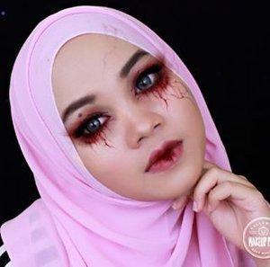 I'm not in mood making #halloween makeup look, so thank to #makeupplus I still can upload halloween theme look😂😂😂 . . . . . . . . . . . . . . #vampiremakeup #halloweenmakeup #makeupplusid #makeup #makeupoftheday #fotd #beautyblogger #beautyvlogger #ofisuredii #clozetteid