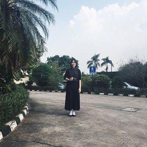 Ohayou gozaimasu, minna-san! Sakini yoi tsuitachi o sugoshimasu!.#japan #japanese #ohayo #morning #tourist #allblack #ootd #ootdindo #wiwt #fashion #ggrep #clozettedaily #clozetteid #outfit #allblackoutfit #cullotes #blackcullotes #polkadot #plant #work #workattire #girl #asiangirl #korean #blogger #bloggerjakarta #beautyblogger #indonesia #explorecikupa #fabindosejahtera