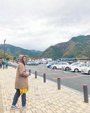 Selamat WeekendKalo ke Gunung Fuji Jepang mampir ketempat ini karena bnyak cemilan halal dan tempat ini merupakan Rest Area•••#farahjapantrip #farahsibolang #japan #explorejapan #clozetteid