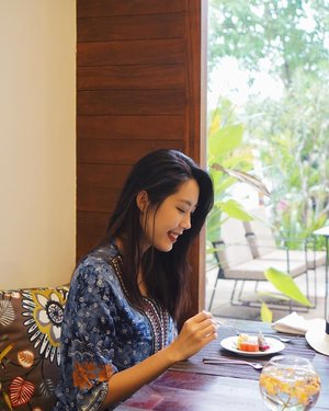 Enjoying my last meal in Siem Reap 😢. Would love to come back to this town again soon! Spot: @popular_residence . But now I'm pretty ecstatic for my next destination 😙 #beautyappetitetravels #visitcambodia #popularresidence #clozetteid