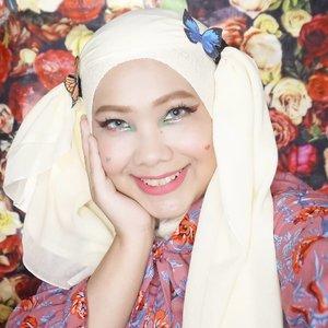 Kupu-kupunya modal ngeprint dikertas euyy 😂😂😂Sekarang jadi sering ngintip cosplay hijaber nyari tutorial hijab 😝...@miyayeah @official_sunmi #SunmiLalalay #SunmiMakeup #Lalalay #KpopMakeup #kpopinspiredmakeup #clozetteID