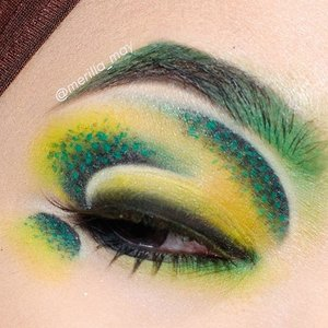 Another shot from today's #eotd. What do you think inspire this look? My husband said this look a bit like dragon. I honestly don't think of anything while creating this one, just empty my mind and go where my brush wants to. 😄😄💄🎨 Using @coastalscents creative me palette 1, @jeffreestarcosmetics Mistletoe, @urbandecaycosmetics glide on eye pencil in Mars & Perversion, @loraccosmetics pro eyeshadow White & Deep purple, @lavielash Pixie. Have a nice Sunday everyone!! 💋  #merilla_may #looxperiments #clozetteid #jeffreestar #jeffreestarcosmetics #velourliquidlipstick #mistletoe #makeupmouse #wakeupandmakeup #makeupfanatic1 #lavieoftheday #eyeart #makeup