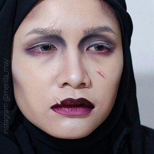 #edwardscissorhands inspired makeup 😄✂✂✂ @esteelauder double wear foundie in Bone. @makeupforeverofficial HD powder. eyes, contour and brow using almost all colour in @toofaced matte palette. Lips is @katvondbeauty everlasting liquid lips in Vampira, black eyeshadow and a little foundie. #merilla_may #halloweenmakeup #halloween #looxperiments #clozetteid #cotw #toofaced #katvondbeauty #everlastinglipstick #Vampira #anastasiabeverlyhills #wakeupandmakeup #makeupfanatic1 #makeupmouse #sebastienmua #halloween2015