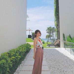 And I know we're not supposed to talk But I'm getting ahead of myself I get scared when we're not [Clean Bandit ft. Julia Michaels] #wheninbali #petitecupcakes #wideleggedpants #halterneck #jumpsuit #dress #ootd #lotd #outfit #outfitoftheday #look #lookoftheday #instastyle #style #styleoftheday #sotd #igbeauty #fdbeauty #self #girl #clozetteid #clozettedaily #clozette #instabeauty #instalook #lookbook #vscofashion #instafashion #lookbookindonesia #ootdindo
