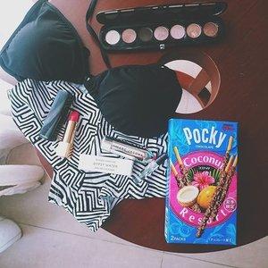 Beach buddies.Scent - something light Byredo's Gypsy WaterLips - something bright Chanel's Melodieuse#beach #vacation #essentials #bikini #swimsuit #makeup #beauty #look #lookbook #makeupoftheday #scent #fragrance #lipstick #lotd #clozetteco #clozetteid #clozette #fdbeauty #femaledailynetwork #femaledaily #traveller #travel #traveling #travelling #vsco #vscolove