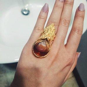 Your ring won't go down the sink.#wearpedra #atelierpedra #accessory #ring #jewellery #jewelery #vsco #vscocam #vscolove #vscogood #vscostyle #style #fdbeauty #femaledaily #femaledailynetwork #clozetteco #clozetteid #clozette #instastyle #look #styles #handsinframe #nailpolish #nails
