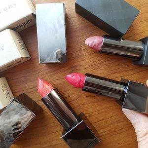 Burb! #burberry #burberrybeauty #burberrykisses #lipsoftheday #pinklipstick #pinklips #lipstick #lipstickeverywhere #lipstickaddict #makeup #makeupaddict #makeupjunkie #beautyaddict #beautyjunkie #beauty #beautygram #highendmakeup #igbeauty #instabeauty #fdbeauty #motd #clozettedaily #clozette #clozetteid #lipstickoftheday #makeupoftheday