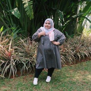 This simple tunic says it all!Wearing this lovely tunic from my fave online shop @bigthings.hijab ❤💓💖 paling enak bgt kalo custom baju di sini... Ukurannya pas bgt dan enak dipakenya😍😍 thank you yaa @bigthings.hijab .yang mau order langsung preorder aja yaaa, lumayan buat baju Lebaran 😌#effyourbodystandards#casual#ootd #bigandblunt#bigsizeootd #celebratemysize#curvyasian #plussizeasian#curves#whatiwear #wiw#clozetteid#인스타패션 #인스타뷰티#플러스사이즈 #오늘의의상 #bodypositive #beautyhasnosize #instadaily #hijabootd #dailygram #kemalasariendorsement