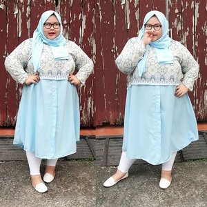 "Not ready to pose but my brother took that picture anyway 😧😂. But that's okaaayyy because I am wearing such a cool tunic from @lifeflowershop and it's a skyblue! Never wore any pastel blue before because the color is so bright but yashhh this tunic gave me life. Another plus is, you also get the pashmina with the same color so you don't have to worry and say ""duuhh gak punya jilbab warna ini...."" *hijabee problem 101 lol*. Thank youu @lifeflowershop your collection is getting better and better ❤.••••#ootd #ootdbigsizeindo #effyourbodystandards #lovemyself #bigsizeootd #bigandbeautiful #bigandblunt #clozetteid #nocyberbullying #stopbodyshaming #curvyasian #skorch #iloveme #iamnoangel #plussizefashion #nobodyshame #fullfigured #패션스타그램 #패션 #플러스사이즈 #좋은날 #라마단 #인스타패션 #패션스타그램"