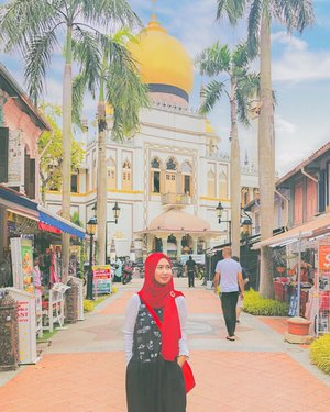 Mid-week posting. ....#wednesday #midweek #masjidsultan #kampongglam #singapore #weekendgetaway #vacation #travel #travelgram #instatravel #shotoniphone #ootd #clozetteid