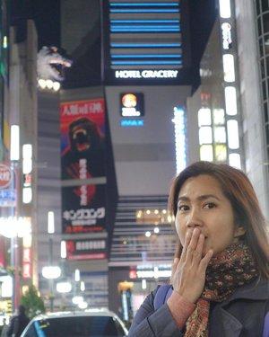 Can you see that Godzilla at upper left? 😅😅 . . . . . #shinjuku #godzilla #gojira #japan #japantrip #chicinJapan #travel #travelgram #instatravel #vsco #vscojapan #instadaily #instamood #instagood #instamoment #clozetteid #like4like