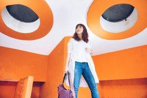 When in Palembang [1]. . Museum ini udah ada dari jaman gue kecil dan baru gue kunjungin sekian puluh tahun setelahnya yang bahkan gue udah ngga tinggal di Palembang. 😂 Museum ini sebenernya bagus kalau saja isinya bisa dibikin lebih lengkap, lebih terang dan lebih informatif. . . . . . . #monpera #monument #palembang #visit #travel #travelgram #instatravel #travelblogger #blogger #orange #white ☺�#whp #whpcolorplay #instadaily #sonyalpha #vsco #ootd #clozetteid