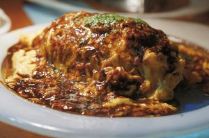 Omurice generally refers to fried rice wrapped in egg. It is a simple dish found in Japanese restaurants worldwide, and can easily be cooked at home. . This one is omurice from Kichi Kichi Restaurant, one of the famous omurice restaurant in Kyoto, Japan. What make omurice here different from others Restaurant? . Blog update on my experience in Kichi Kichi. Link on my bio. . . . . . #omurice #japan #kyoto #kichikichi #yukimuramotokichi #food #foodporn  #dish #instafood #travel #travelgram #instatravel #blogger #travelblogger #sonyalpha #vsco #whpmood #whp #instadaily #instagood #instamood #clozetteid #like4like