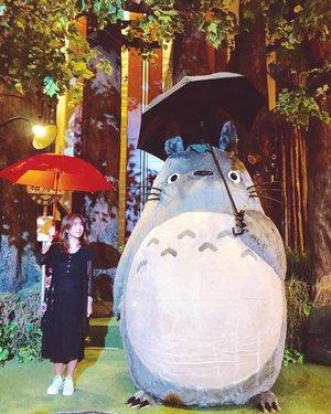 Finally met my neighbor. 😁 Hi, tonari no Totoro! #ghibli #ghiblijkt . . . . . #worldofghibli #totoro #tonarinototoro #myneighbortotoro #travel #travelgram #instatravel #blogger #travelblogger #sonyalpha #vsco #instagood #instadaily #instamood #clozetteid #like4like