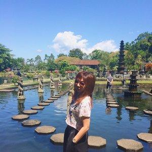 It was so hot and sunny ☀️ #bali #tirtagangga #karangasembali #indonesia #throwback #throwbacksunday #visitindonesia #visitbali #imissholiday #ootd #clozetteid #fotd #shades