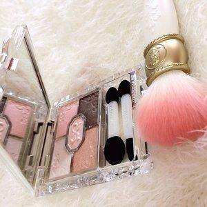 My first Jill Stuart and Laduree Brush. #JillStuart Ribbon Couture Eyes #Laduree Cheek Brush#lmladuree #lesmerveileusesladuree #makeup #makeupjunkie #makeupaddict #fdbeauty #clozetteid