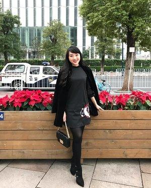 in Guang Zhou #ootd #outfit #outfitoftheday #guangzhou #ootdchina #winter #clozetteid #clozetteambassador #look #lookbook #lookbookindonesia #lookbookasean #fashion #fashionista #fashionable #fashionstyle #fashionblogger #ootdindo #instagram #instagood #instastyle #instagram #instafashion #instatravel #travel #travelling