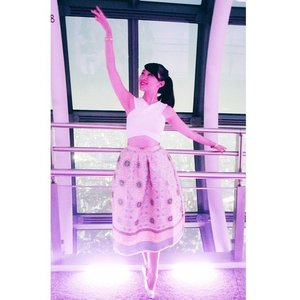 TOKYO SKY TREEI still can do this can you believe? I can standing on pointe.. yes im still a ballerina deep down in my heart LOL.... #me #onpoint #onpointe #ballerina #ballet #songketskirt #songket #croptop #outfitoftheday #ootd #ootdindonesia #ootdindo #clozetters #clozetteambassador #clozetteid #tokyo #tokyoghoul #tokyobanana #tokyoskytree #tokyosky #tokyoskytreetower #tokyostyle #portdebras #styleoftheday #travelgram #travelwithstyle #traveling #travelling #lookbookindonesia