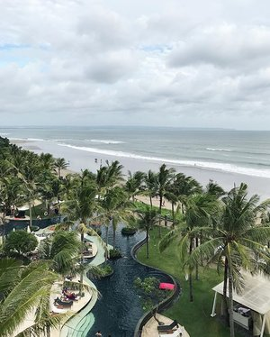 view from room 🐼🐼 #clozetteid #clozetteambassador #beach #beachview #whotel  #bali #seminyak