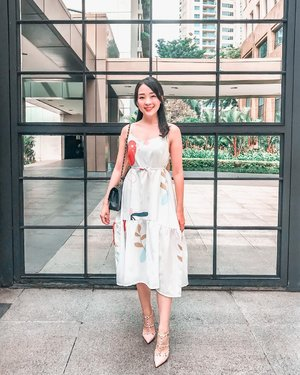 My first @oudre_id print dress.. but definitely not the last. I love the color and the cutting... simple but elegant ❤️ perfect for my weekend stroll  #oudre #oudregirls #clozetteid #clozetteambassador #potd #ootd #ootdinspiration #ootdindo #happysunday #lookbook