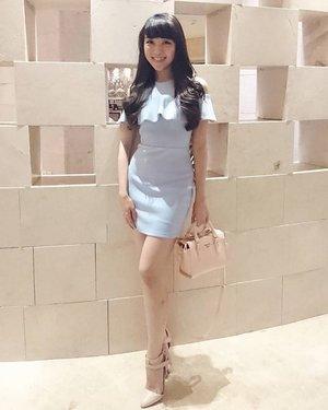 My take on Color Pantone 2016 = Rose Quartz (pink) Serenity (blue)  #lookbook #lookbookindo #lookbookindonesia #lookbooklookbook #igstyle #igers #ignesia #igdaily #instastyle #instadaily #instalike #styleoftheday #styleblog #styleblogger #fashionblog #fashionista #clozetteid #fashion #fashionstyle #fashionblogger #femaledaily #blackandwhite #streetstyle #clozetteambassador #monday #ootdindonesia #ootd #ootdindo