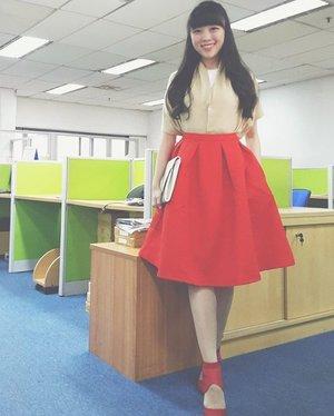 Hello... i become myself again... that red full skirt, those beautiful heels... and those longhair  #ootd #outfitoftheday #ootdindo #ootdasean #styleoftheday #styleblog #streetstyle #style #styles #lookbook #lookbookindonesia #lookbookmelove #red #streetstyle #redoutfit #clozetteid #clozette #clozetteambassador #femaledaily #fashion #fashionista #fashionblogger #femaledaily