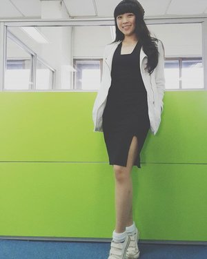 I love to wear monochrome... i love to wear my LBD with sneakers... ��� #styles #styleoftheday #styleblogger #styleblog #ootd #ootdindo #ootdasean #asiangirl #bangs #clozetteid #outfitoftheday #lookbook #lookbookindonesia #streetstyle #stylenanda #fashionblog #fashionblogger #fashionista #instastyle #ignesia #igers #Monochrome #blackandwhite #lbd #littleblackdress #femaledaily