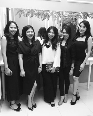 Cant wait to meet these ladies again... #latepost #uber #uberon #uberindonesia #uberjakarta #uberjkt #uberdua #ubereverywhere #uberbdg #uberbali #ubersurabaya #clozetteid #littleblackdress #monochrome #blackandwhite