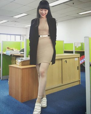 Earlier today when im still wearing my sneakers before i change them to heels  #lookbook #lookbookindo #lookbookindonesia #lookbookmelove #lookbooklookbook #loveit #neutral #streetstyle #officegirl #officechic #office #ootd #outfit #outfitideas #outfitoftheday #jjモデル #ootdasean #ootdindo #ootdshare #clozetteid #clozette #clozetteambassador #femaledaily #bangs #instastyle #instadaily #igers #ignesia #casual #casualoutfit