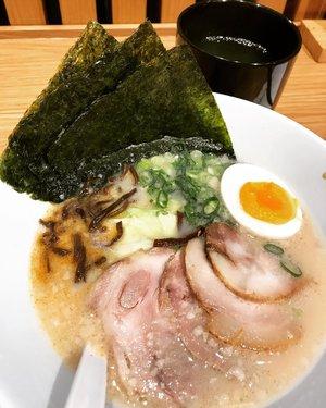 My favorite ramen ever ! @ippudoindonesia #ramen #japaneseramen #porkramen #ramennoodles #nomnom #yummy #foodie #foods #foodporn #foodphotography #clozetteid