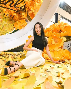 *****KIEHLS 10 YEARS ANNIVERSARY EVENT 28 August 2019 ****Sitting at the pool of calendula flowers installation... (my favourite spots 🤗) Don't forget to come to their anniversary beauty fair in Senayan City... start from 29 August - 8 September.. It's FREE! And so fun! See ya there! #kiehls #kiehlsid #clozetteid #clozette #clozetteambassador #beautyblogger #beautyevent #indonesianbeautyblogger #10yearskiehlsid #ootdindo #lovebonito #lovebonitoid #iwearlovebonito #LBootd #ootd #ootdideas #ootdfashion #ootdindo #lookbook #lookbooks #lookbookindonesia #lookbooklookbook #style #styles #styleblogger