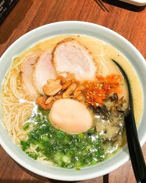 Marutama Ramen miluv ❤️🍲 #marutamaramen #ramen #porkramen #tamagoramen #ramennoodles #ramen🍜 #food #japanesefood #foodie #foodoftheday #foodphotography #clozetteid